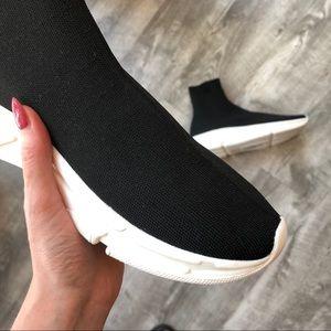 d681ef6befd Steve Madden Shoes - 🚫SOLD 🚫Steve Madden Bitten Flyknit Sock Sneakers